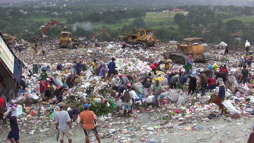 800px-Payatas-Dumpsite_Manila_Philippines02